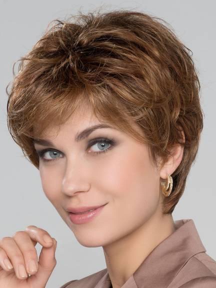 Cheveux courts Cora