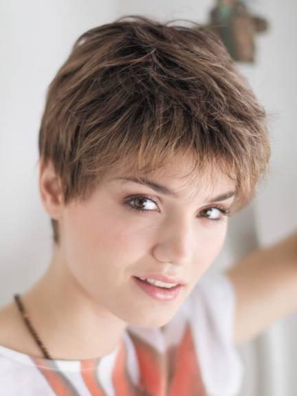 Cheveux courts Debbie