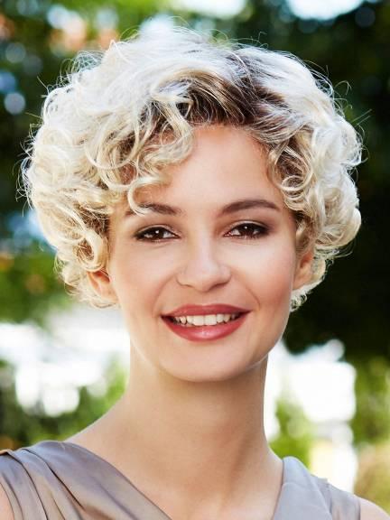 Cheveux courts Celina Lace