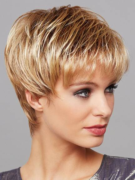Cheveux courts Romy