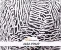 Alba Pinup